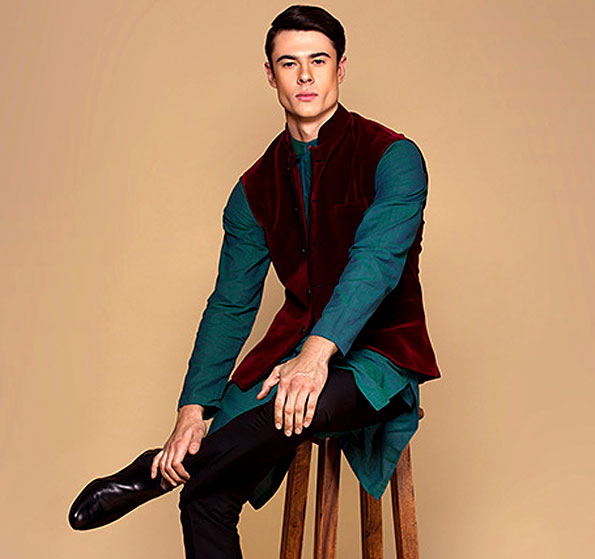 Kurta Pyjama and Nehru Jacket Ensemble for Men
